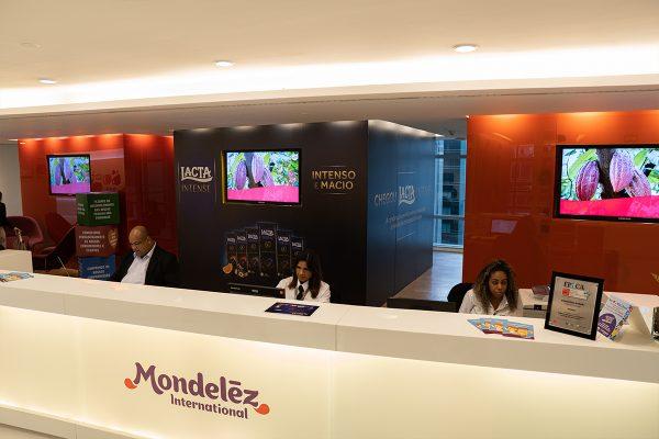 Ativação de endomarketing para o lançamento da linha Lacta Intense, em São Paulo e Curitiba. ⠀